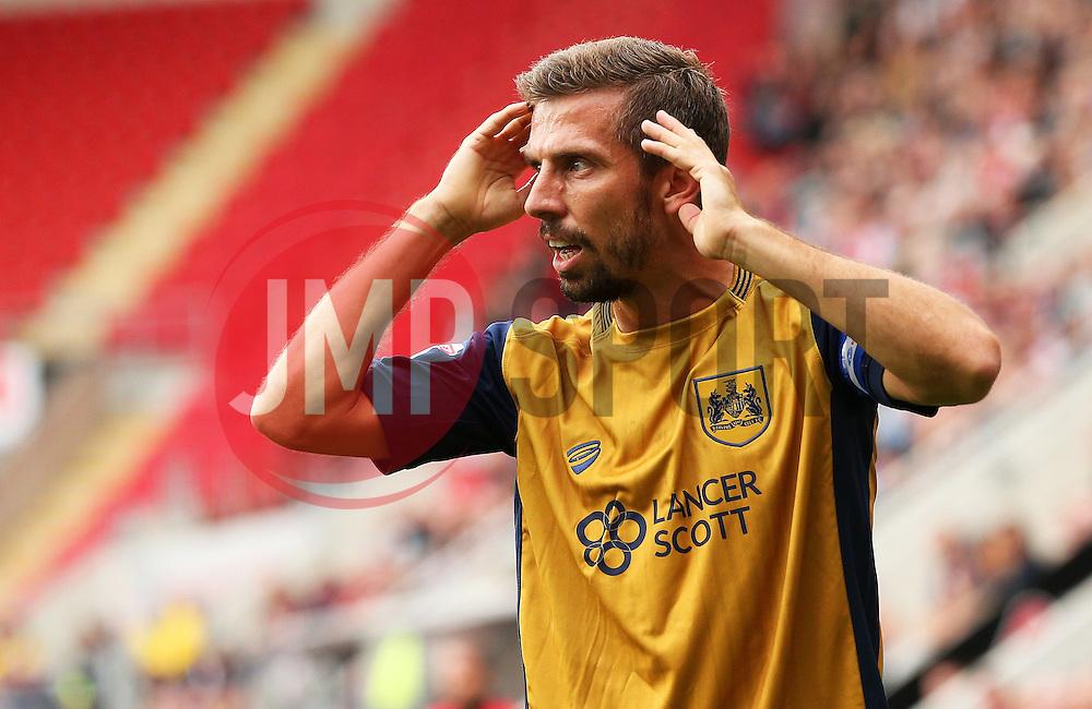 Gary O'Neil of Bristol City gestures - Mandatory by-line: Matt McNulty/JMP - 10/09/2016 - FOOTBALL - Aesseal New York Stadium - Rotherham, England - Rotherham United v Bristol City - Sky Bet Championship