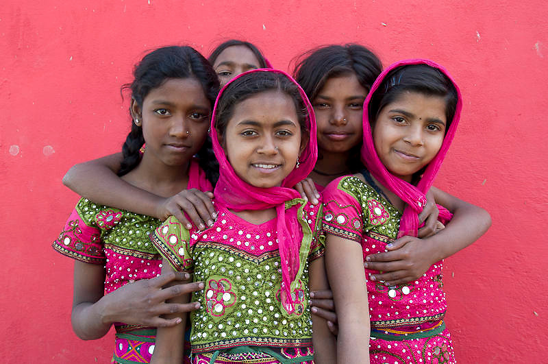 Group of Indian girls wearing a traditional Rajasthani dress (India)