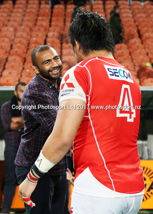 Chiefs Michael Leitch chats with Sunwolves lock Shinya Makabe after the Super Rugby rugby match - Chiefs v Sunwolves played at FMG Stadium Waikato, Hamilton, New Zealand on Saturday 29 April 2017.  Copyright photo: Bruce Lim / www.photosport.nz