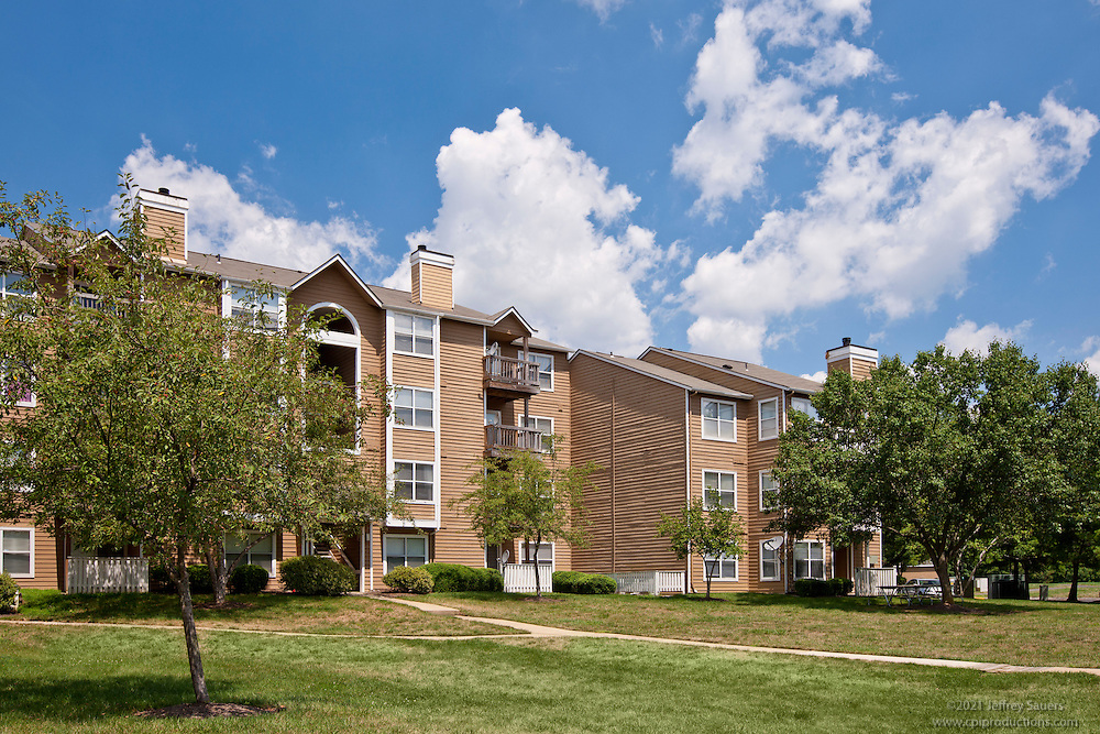 Architectural photography of Steeplechase Apartments in Largo MD by Jeffrey Sauers of Commercial Photographics.