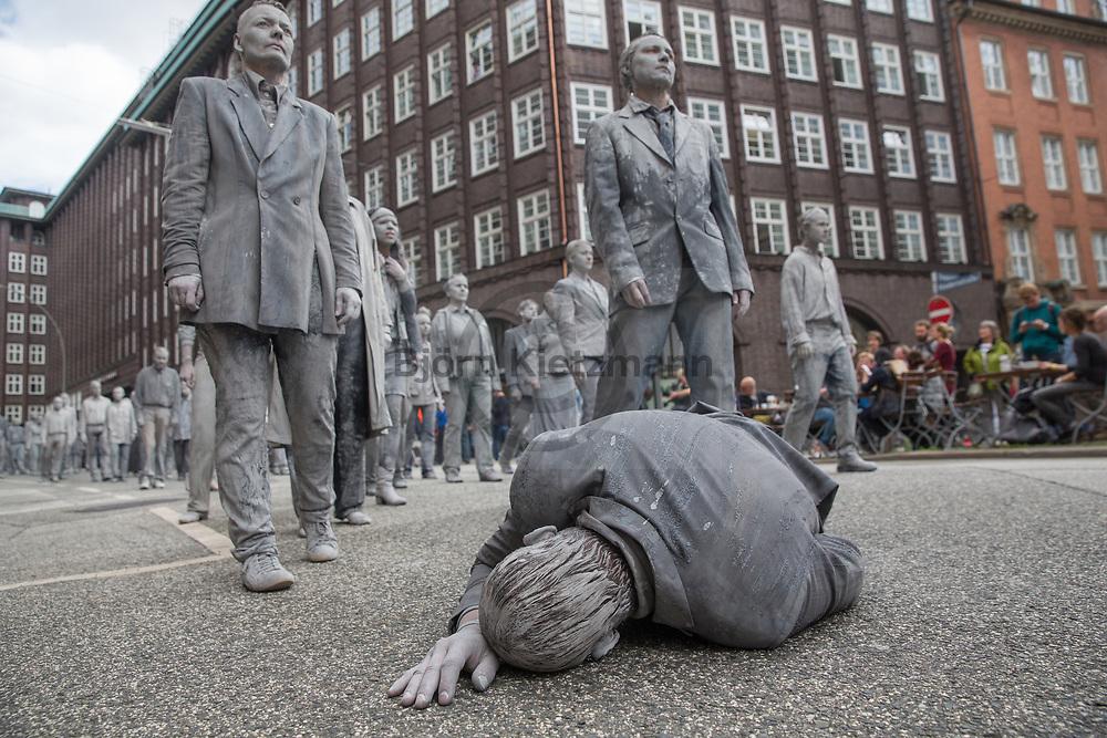 Hamburg, Germany - 05.07.2017<br /> <br /> Political anti-G20 art performance &quot;1000 Gestalten&rdquo; (&rdquo;1000 figures&rdquo;) move through Hamburg. With their action, the artists want to set a sign for more solidarity and political participation.<br /> <br /> Politische Anti-G20 Kunstperformance &rdquo;1000 Gestalten&rdquo; zieht durch Hamburg. Mit ihrer Aktion wollen die Kuenstler ein Zeichen fuer mehr Solidaritaet und politische Partizipation setzen.<br /> <br /> Photo: Bjoern Kietzmann