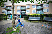 Nederland, Groesbeek, 9-10-2017Een rollator staat bij de ingang van een verzorgingshuis.Foto: Flip Franssen