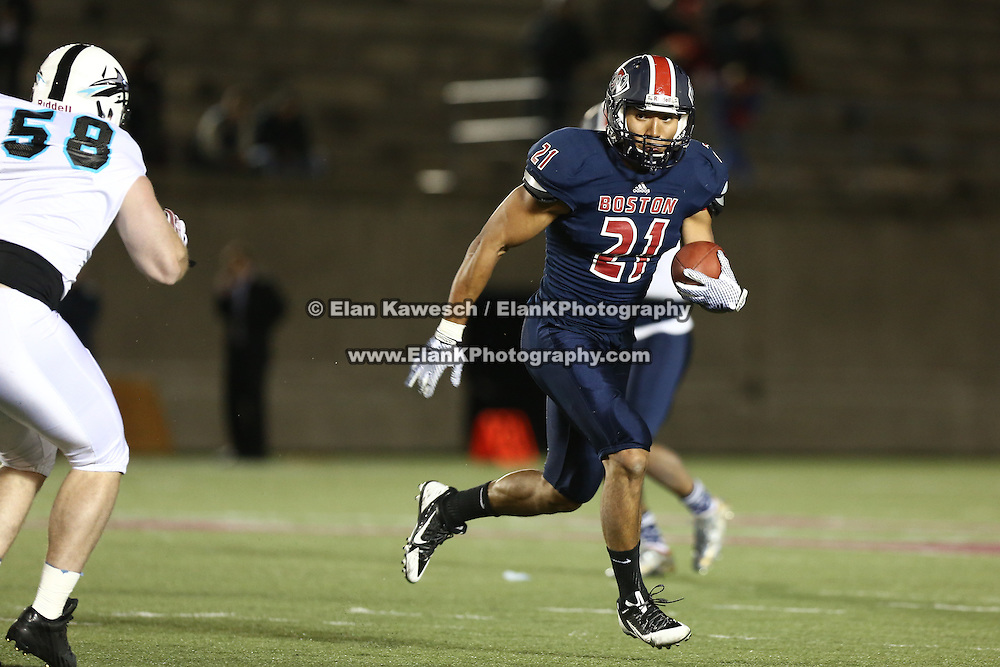 Emmanuel Moody #21 of the Boston Brawlers runs with the ball during the first ever Boston Brawlers home game at Harvard Stadium on October 24, 2014 in Boston, Massachusetts. (Photo by Elan Kawesch)
