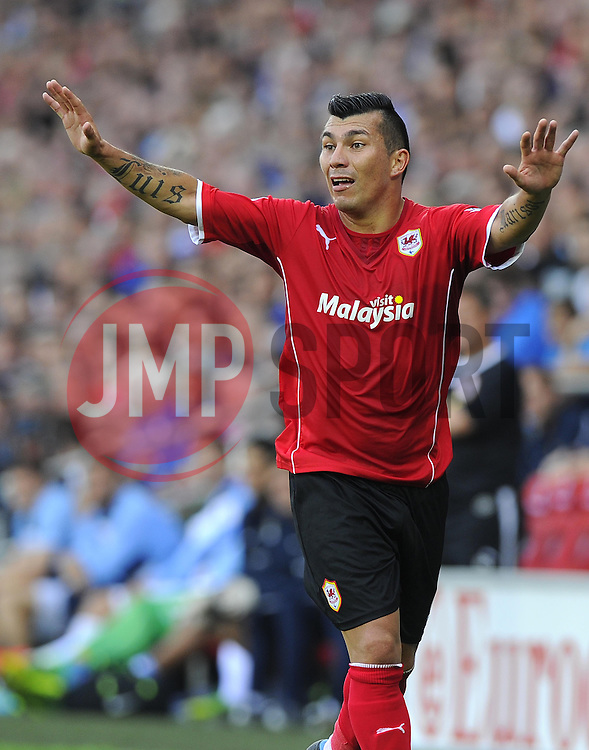 Cardiff City's Gary Medel  - Photo mandatory by-line: Joe Meredith/JMP - Tel: Mobile: 07966 386802 25/08/2013 - SPORT - FOOTBALL - Cardiff City Stadium - Cardiff -  Cardiff City V Manchester City - Barclays Premier League