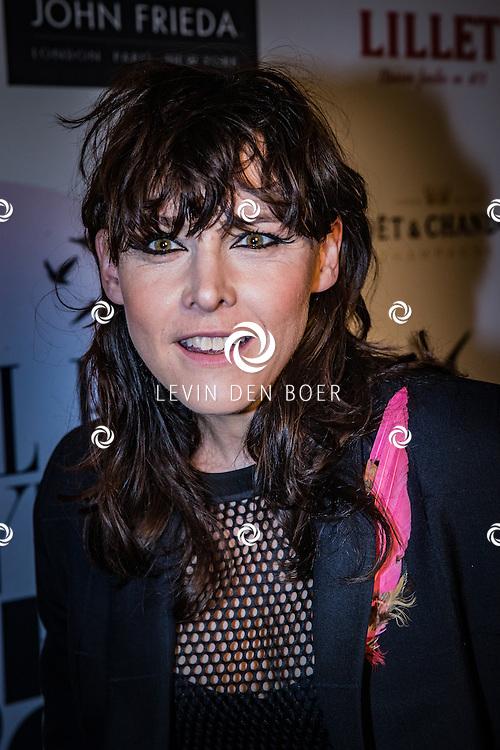 AMSTERDAM - ELLE reikte tijdens de ELLE Style Awards 2016 maar liefst 7 awards uit. Onder andere aan dé winnares van de ELLE Personal Style Award. Met hier op de foto Wende Snijders. FOTO LEVIN & PAULA PHOTOGRAPHY VOF