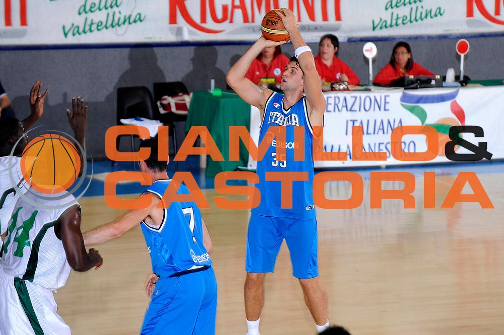 DESCRIZIONE : Bormio Torneo Internazionale Maschile Diego Gianatti Italia Senegal<br /> GIOCATORE : Andrea Bargnani<br /> SQUADRA : Italia Italy<br /> EVENTO : Raduno Collegiale Nazionale Maschile <br /> GARA : Italia Senegal<br /> DATA : 17/07/2009 <br /> CATEGORIA : tiro<br /> SPORT : Pallacanestro <br /> AUTORE : Agenzia Ciamillo-Castoria/G.Ciamillo