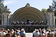 Logron?o (Spain) 20/09/2007 - 51° Fiesta de la Vendimia Riojana 2007 - Concierto de la Agrupacion Musical de Logron?o - Paseo del Espolon