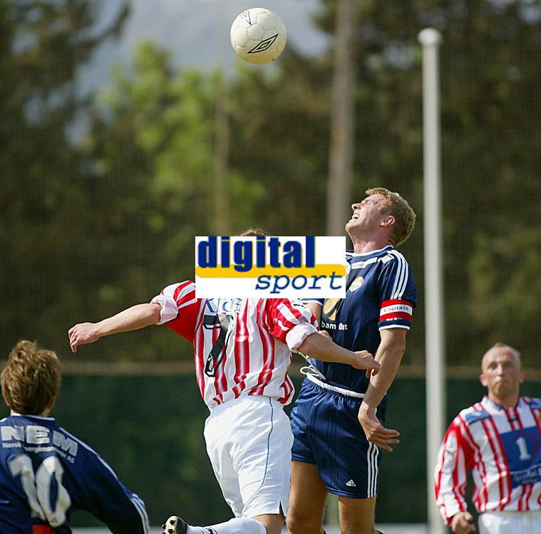 Fotball - Treningsleir La Manga 11. mars 2002. Str&oslash;msgodset - Troms&oslash;. Jostein Flo, Sif.<br /> <br /> Foto: Andreas Fadum, Digitalsport