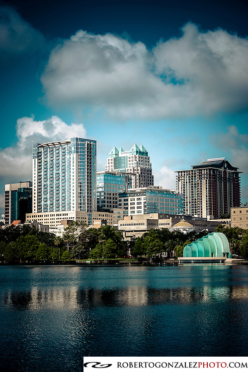 Orlando skyline Lake Eola, photo by Roberto Gonzalez