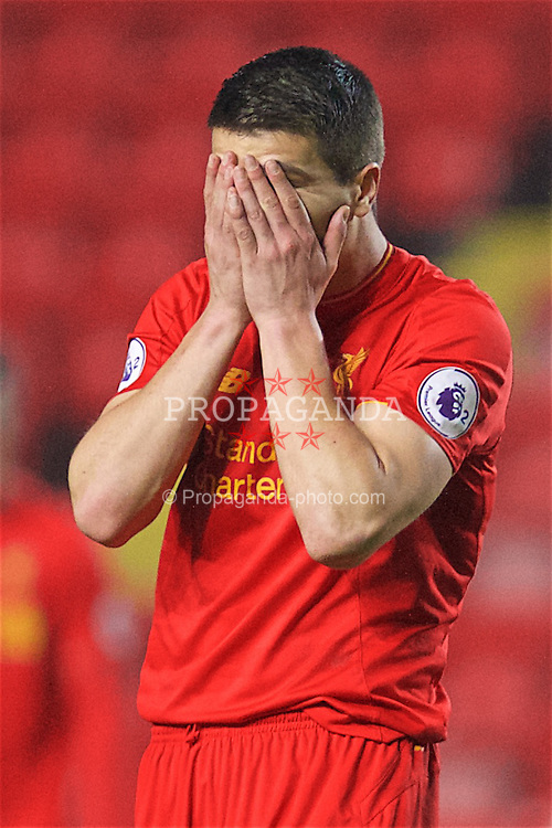 LIVERPOOL, ENGLAND - Monday, January 16, 2017: Liverpool's Tom Brewitt looks dejected after conceding a late goal to lose 1-0 to Manchester United during the FA Premier League 2 Division 1 Under-23 match at Anfield. (Pic by David Rawcliffe/Propaganda)