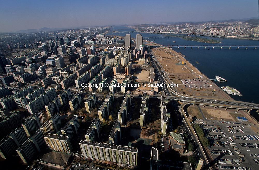 aerial view of Yoida island in   Séoul  Korea   vue aerienne Quartier Yoido, et Séoul et la rivière Han   Séoul  coree  ///R20135/    L0006898  /  P105161