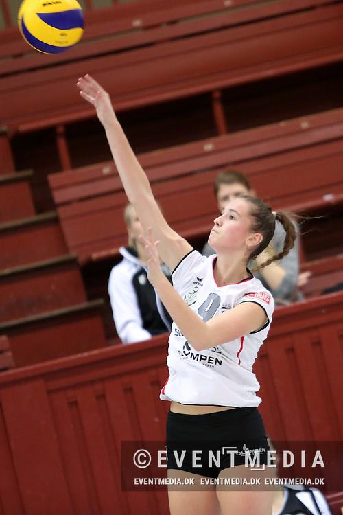 Emilie Stenholt Krogh, Elite Volley Aarhus. Kamp i VolleyLigaen Damer mellem Elite Volley Aarhus og Fortuna Odense i Århus Gl. Stadionhal, Århus, Danmark, den 28.01.2017. Photo Credit: Allan Jensen/EVENTMEDIA.