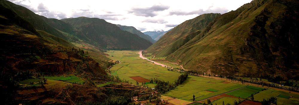 PERU, HIGHLANDS Urubamba River; Sacred Inca Valley