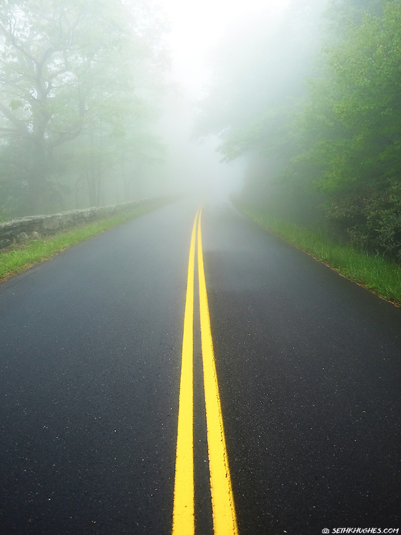 A foggy view along the Blue RIdge Parkway, North Carolina
