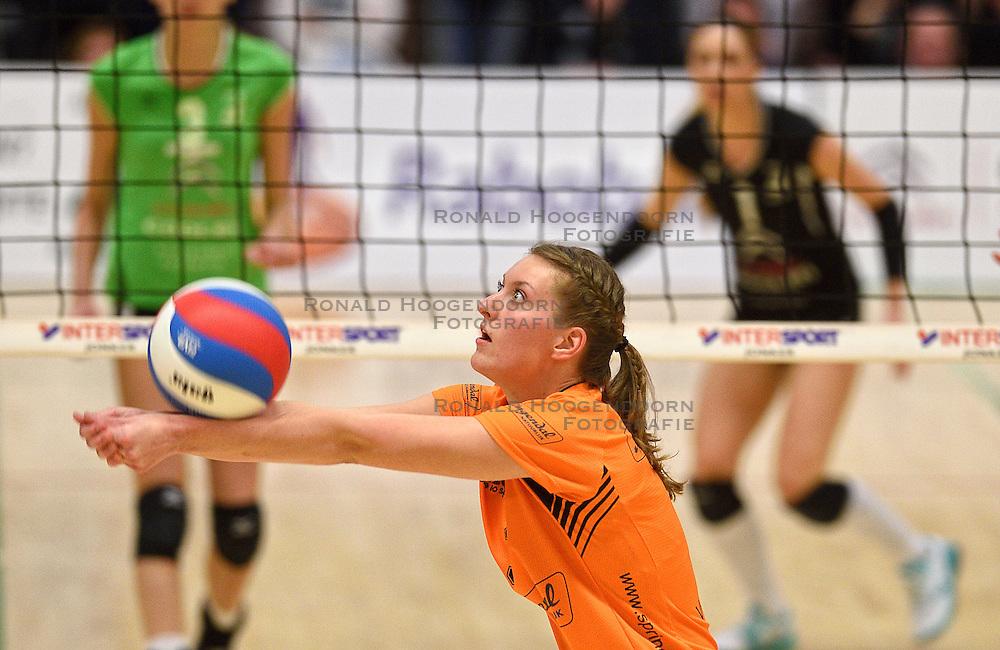 09-04-2016 NED: Coolen Alterno - Springendal Set Up 65, Apeldoorn<br /> Set Up wint met 3-2 en dat blijkt genoeg om zich te plaatsen voor de finale. / Jiska Kamphuis #3 of Set Up 65