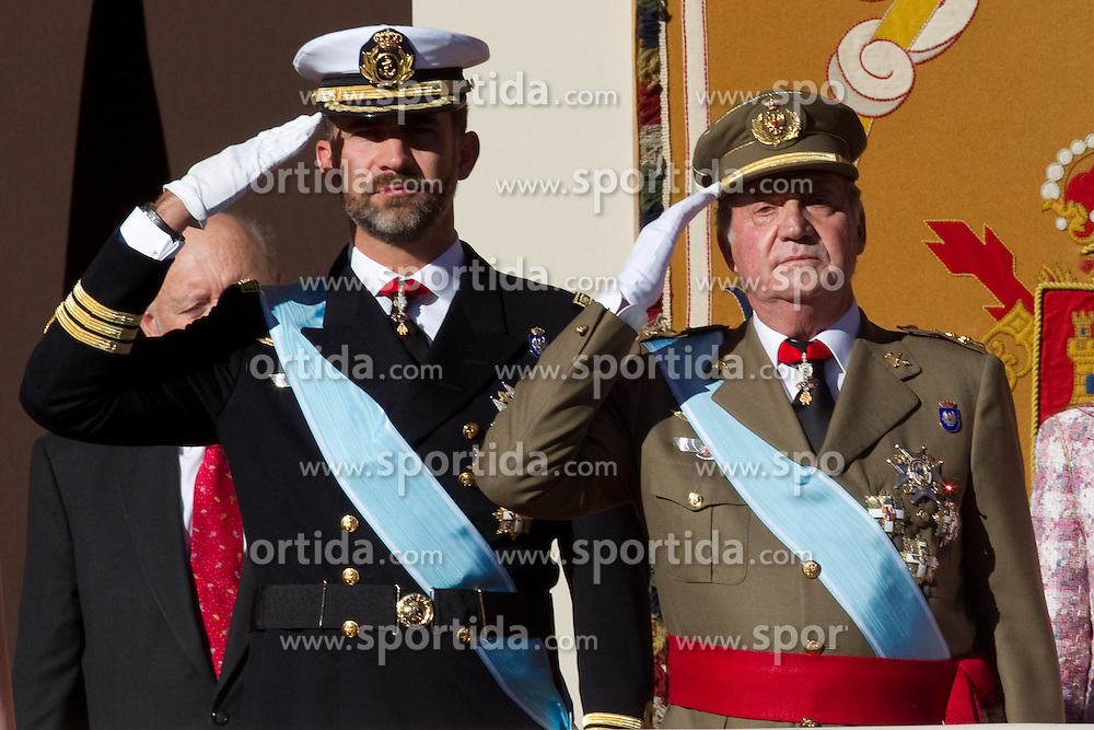12.10.2010, Madrid, ESP, Spain National Day in Madrid, im Bild Princess Letizia, Prince Felipe, Princess Elena, Princess Cristina and Inaki Urdangarin, King Juan Carlos and Queen Sofia attend the military parade at Spain`s National Day in Madrid. EXPA Pictures © 2010, PhotoCredit: EXPA/ Alterphotos/ Cesar Cebolla +++++ ATTENTION - OUT OF SPAIN / ESP +++++