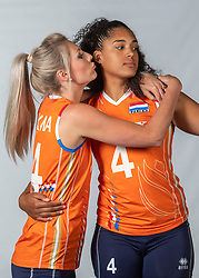 10-05-2018 NED: Team shoot Dutch volleyball team women, Arnhem<br /> Laura Dijkema #14 of Netherlands, Celeste Plak #4 of Netherlands