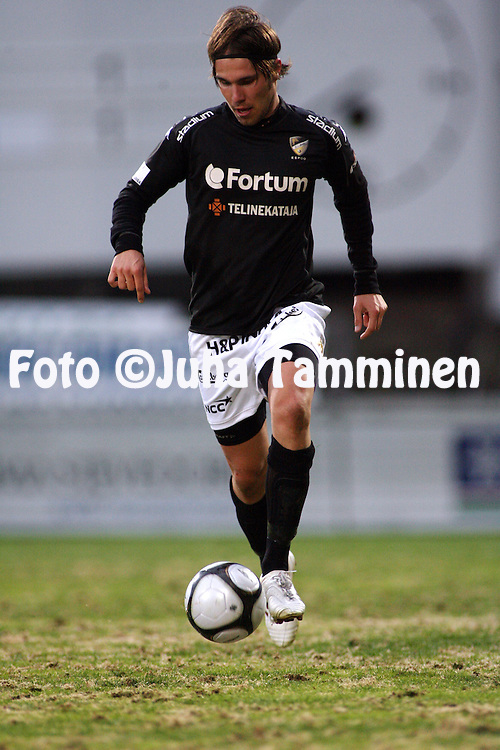 04.05.2009, Tehtaankentt?, Valkeakoski, Finland..Veikkausliiga 2009 - Finnish League 2009.FC Haka Valkeakoski - FC Honka.Tuomo Turunen - Honka.©Juha Tamminen.