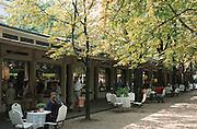 Deutschland, Germany,Baden-Wuerttemberg.Schwarzwald.Baden-Baden, alte Ladenpassage am Kurpark.Black Forest, Baden-Baden, old shops at park...