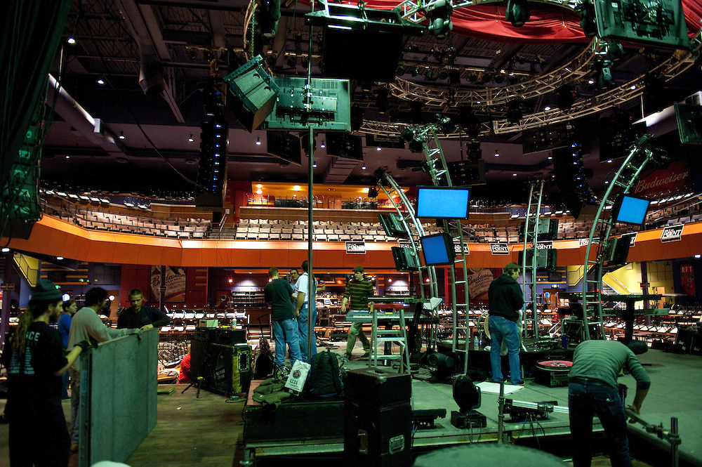 Behind-the-scenes photos of El Monstero's 2010 Pink Floyd tribute at The Pageant