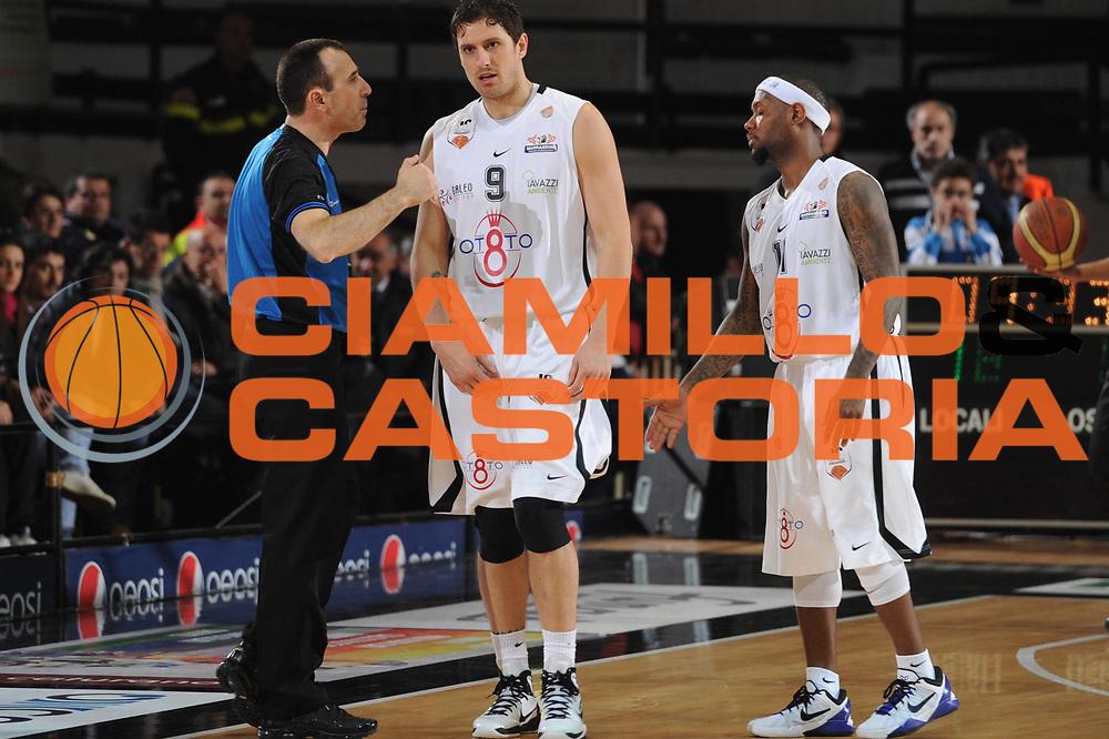 DESCRIZIONE : Caserta Lega A 2011-12 Otto Caserta Acea Virtus Roma<br /> GIOCATORE : Alex Righetti<br /> CATEGORIA : fair play<br /> SQUADRA : Otto Caserta<br /> EVENTO : Campionato Lega A 2011-2012<br /> GARA :Otto Caserta Acea Virtus Roma<br /> DATA : 25/03/2012<br /> SPORT : Pallacanestro<br /> AUTORE : Agenzia Ciamillo-Castoria/GiulioCiamillo<br /> Galleria : Lega Basket A 2011-2012<br /> Fotonotizia : Caserta Lega A 2011-12 Otto Caserta Acea Virtus Roma<br /> Predefinita :