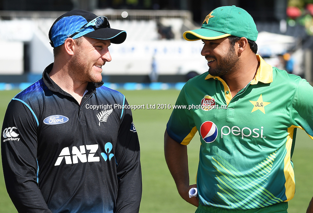 Captains Brendon McCullum and Azhar Ali during the New Zealand Black Caps v Pakistan 3rd ODI cricket match. Eden Park, Auckland, New Zealand. Saturday 31 January 2016. Copyright photo: Andrew Cornaga / www.photosport.nz
