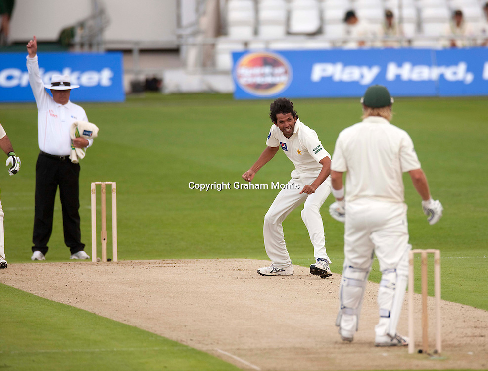Mohammad Asif celebrates as umpire Ian Gould gives Shane Watson out lbw in the second MCC Spirit of Cricket Test Match between Pakistan and Australia at Headingley, Leeds.  Photo: Graham Morris (Tel: +44(0)20 8969 4192 Email: sales@cricketpix.com) 21/07/10
