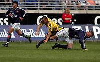 Fotball, Tippeligaen, <br />Viking Stadion, 24/04-2005, Viking - Lillestrøm,<br />Mifsud felles av Frode Hagen, noe som burde resultert i straffe,<br />Foto: Sigbjørn Andreas Hofsmo, Digitalsport