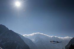 21.03.2015, Planica, Ratece, SLO, FIS Weltcup Ski Sprung, Planica, Finale, Skifliegen, Team, im Bild Manuel Fettner (AUT) // during the Ski Flying Team Competition of the FIS Ski jumping Worldcup Cup finals at the Planica in Ratece, Slovenia on 2015/03/21. EXPA Pictures © 2015, PhotoCredit: EXPA/ JFK