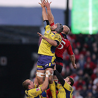 Munsters Paul O Connell in the line out against Clermont Auvergne in thier meeting in the Heineken Cup game in Thomand Park on Saturday.<br /> Pic. Brian Arthur/ Press 22