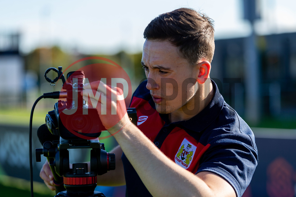 George West - Ryan Hiscott/JMP - 04/10/2018 - FOOTBALL - Stoke Gifford Stadium - Bristol, England - Tanya Oxtoby receives Managers Manager of the Month for September 2018