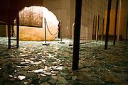 Brumadinho_MG, Brasil...Museu de Arte Contemporanea de Inhotim (CACI). Na Foto a obra Atraves de Cildo Meireles...Inhotim Contemporary Art Museum (CACI). In this photo the art Atraves of Cildo Meireles...Foto: JOAO MARCOS ROSA /  NITRO