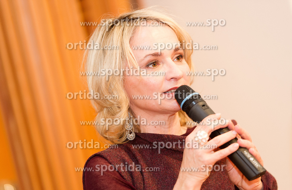 27.12.2015, Liebburg, Lienz, AUT, FIS Ski Weltcup, Lienz, Startnummernauslosung und Presseempfang, im Bild Bürgermeisterin von Lienz Elisabeth Blanik (SPÖ) // during BIP number draw and press evening of the Lienz FIS Ski Alpine World Cup at the Liebburg in Lienz, Austria on 2015/12/27. EXPA Pictures © 2015, PhotoCredit: EXPA/ Michael Gruber
