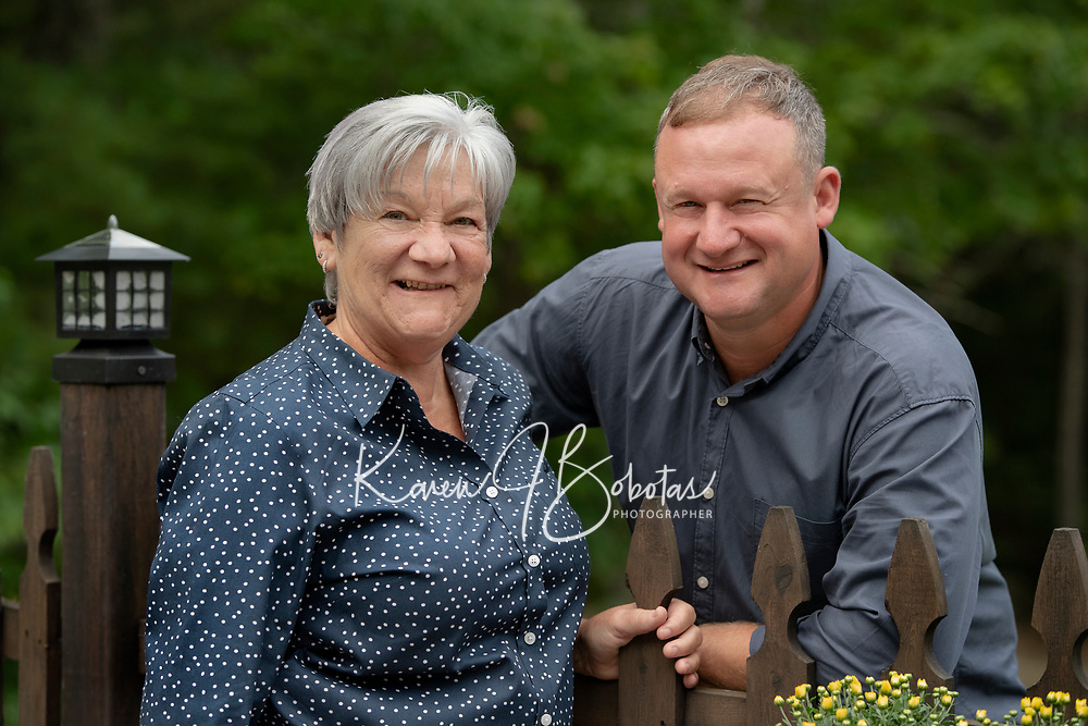Valovanie Family portrait session.  ©2020 Karen Bobotas Photographer