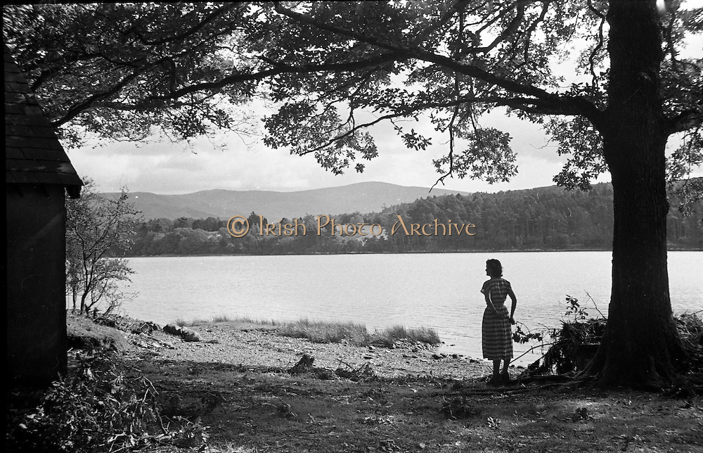 01/02/1957<br /> 02/01/1957<br /> 01 February 1957<br /> Possibly a view across the river at Kenmare, Co. Kerry.