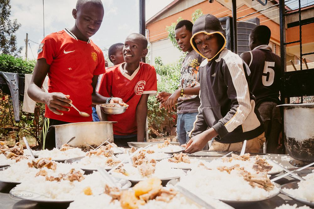 """Kenia 2017: Gli ospiti di """"Mdugu Ndogo"""": centro di primo intervento per il recupero dei ragazzi di strada."""