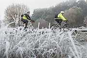 UNITED KINGDOM, London: 08 November 2016. Cyclists brave the frost this morning in Richmond Park. Rick Findler / Story Picture Agency