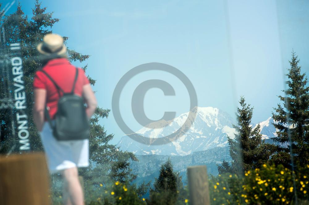 23/08/16 - AIX LES BAINS - SAVOIE - FRANCE - Le Mont Blanc vu de la vigie du Mont Revard - Photo Jerome CHABANNE