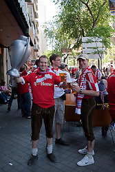 22.05.2010, Estadio Santiago Bernabeu, Madrid, ESP, UEFA Champions League Finale 2010, Bayern Muenchen vs Inter Mailand, Finale, im Bild Bayern Munich fans prior to the  Champions League final contested. EXPA Pictures © 2010, PhotoCredit: EXPA/ Mitchell Gunn