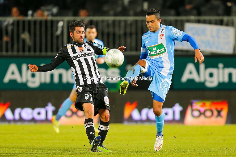 Alexandre ALPHONSE / Olivier AURIAC  - 26.01.2015 - Angers / Brest - 21eme journee de Ligue 2 -<br /> Photo : Vincent Michel / Icon Sport