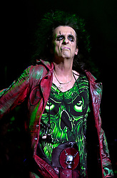 Alice Cooper Dragontown Monsters of Rock Festival. Last night of an eleven date tour at the Hallam FM Arena, Sheffield Tuesday 26th Nov<br />