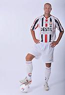 05-07-2009: Voetbal:Studioportretten Willem II<br /> Danny Schenkel<br /> Foto: Geert van Erven