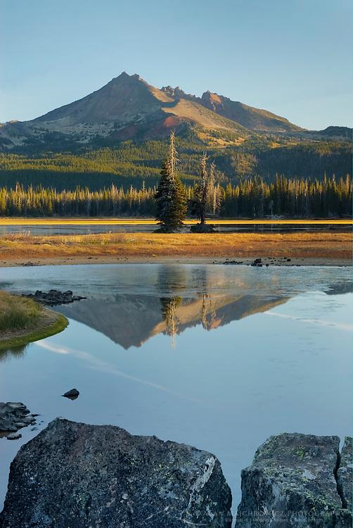 Sparks Lake and Broken Top volcano, Willamette National Forest Oregon