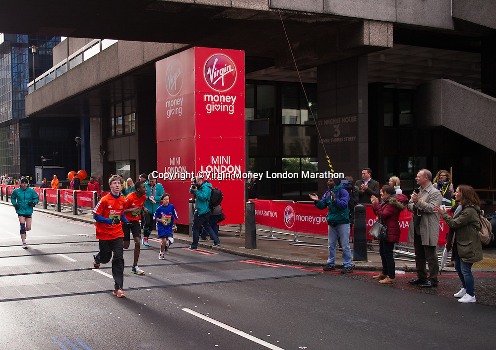 The Virgin Money Giving Mini London Marathon start. The Virgin Money London Marathon, Sunday 24th April 2016.<br /> <br /> Photo: Joe Toth for Virgin Money London Marathon<br /> <br /> For more information please contact media@londonmarathonevents.co.uk