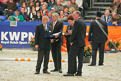 Jury Gelderse hengsten: Hamoen Arie, Aarts Ad, Jilsen Dion<br />  KWPN Hengstenkeuring 2009<br /> © Dirk Caremans