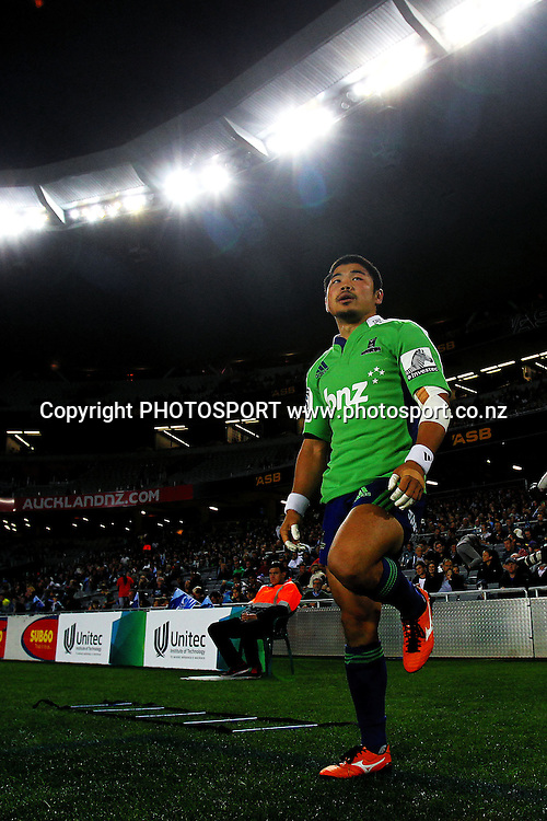 Highlanders' Fumiaki Tanaka gets ready on the sideline. Super Rugby rugby union match, Blues v Highlanders at Eden Park, Auckland, New Zealand. Friday 5th April 2013. Photo: Anthony Au-Yeung / photosport.co.nz
