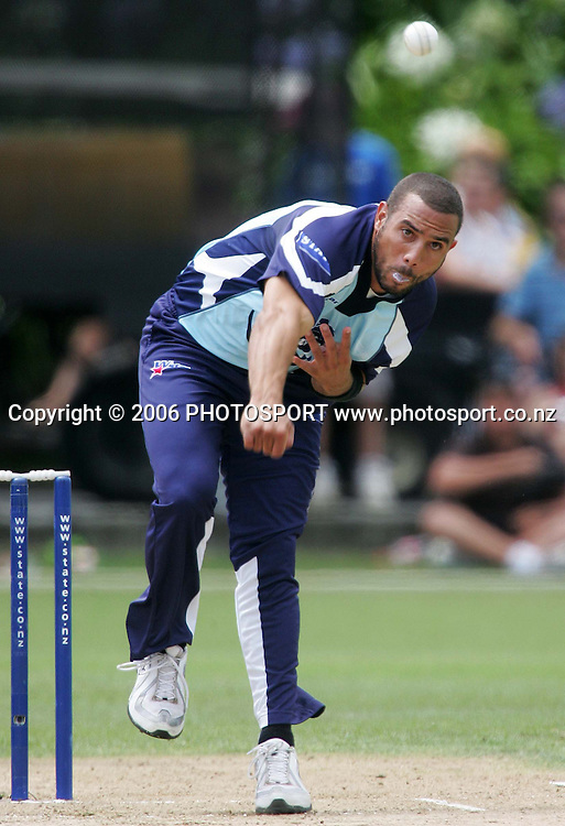 Auckland Aces bowler Andre Adams bowls during the State Twenty20 cricket final between the State Auckland Aces and the State Otago Volts held at the Eden Park Outer Oval in Auckland, New Zealand on Sunday, 4 February, 2007. The Auckland Aces won the match by 60 runs. Photo: Tim Hales/PHOTOSPORT