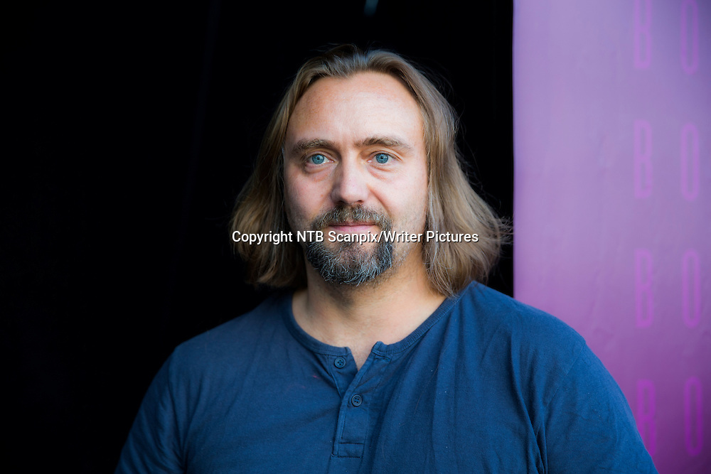 OSLO  20140913.<br /> Forfatteren Carl Frode Tiller var gjest p&Acirc; hovedscenen p&Acirc; Oslo Bokfestival 2014.<br /> Foto: Berit Roald / NTB scanpix<br /> <br /> NTB Scanpix/Writer Pictures<br /> <br /> WORLD RIGHTS, DIRECT SALES ONLY, NO AGENCY