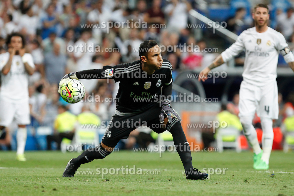 29.08.2015, Estadio Santiago Bernabeu, Madrid, ESP, Primera Division, Real Madrid vs Real Betis, 2. Runde, im Bild Real Madrid&acute;s goalkeeper Keylor Navas // during the Spanish Primera Division 2nd round match between Real Madrid and Real Betis at the Estadio Santiago Bernabeu in Madrid, Spain on 2015/08/29. EXPA Pictures &copy; 2015, PhotoCredit: EXPA/ Alterphotos/ Victor Blanco<br /> <br /> *****ATTENTION - OUT of ESP, SUI*****