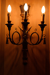 UK ENGLAND LONDON 10MAR04 - A small chandelier mounted on a wooden-panelled wall in the private corporate offices of Morgan Stanley, Mayfair, central London. <br /> <br /> <br /> <br /> jre/Photo by Jiri Rezac<br /> <br /> <br /> <br /> © Jiri Rezac 2004<br /> <br /> <br /> <br /> Contact: +44 (0) 7050 110 417<br /> <br /> Mobile:  +44 (0) 7801 337 683<br /> <br /> Office:  +44 (0) 20 8968 9635<br /> <br /> <br /> <br /> Email:   jiri@jirirezac.com<br /> <br /> Web:     www.jirirezac.com